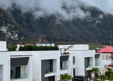 ویلا شهرکی با چشم انداز بی نظیر دامنه جنگل | 400 متر