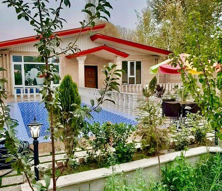 فروش ویلا باغ مبله 300 متری استخر دار   300 متر